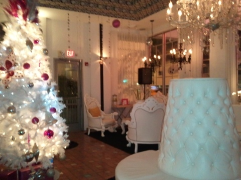 Haute Stuff ~ White Hot Lobby